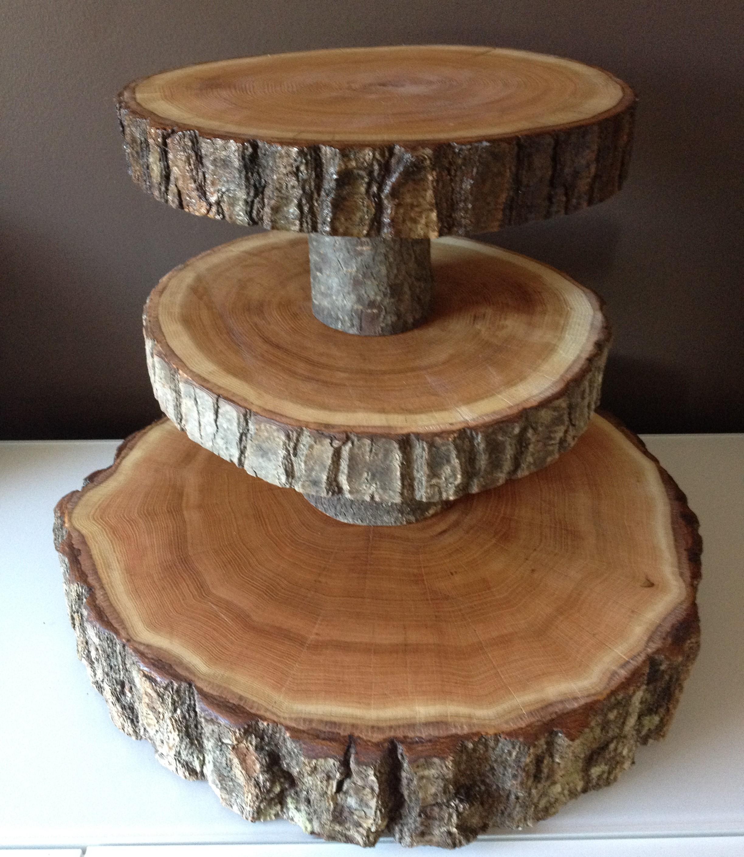 wood slice wedding cake stands wood rounds stump cake stand. Black Bedroom Furniture Sets. Home Design Ideas